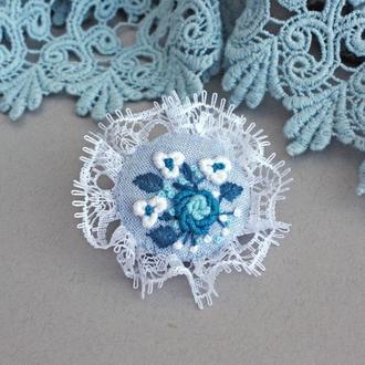 Школьная брошь для блузки Голубая брошка для девочки Подарок на день знаний