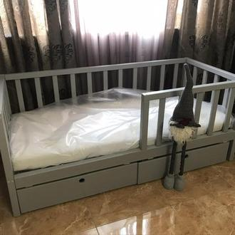 Кроватка детская из ясеня с ящиками