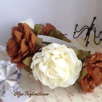 Обруч с крупными цветами