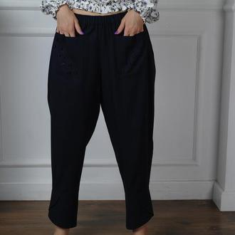 Пышные брюки из льна в стиле Бохо с декоративными элементами
