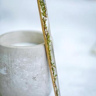 Шпилька для волос из зеленой веточкой, Палочка из дерева, эпоксидной смолы, сухоцвет в смоле, пучок