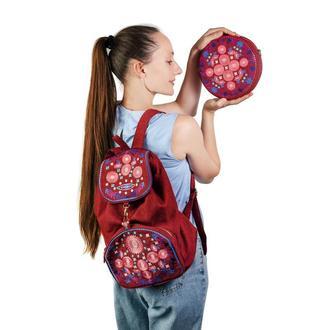 Бордовый рюкзак и круглая сумочка с цветочной вышивкой. Комплект