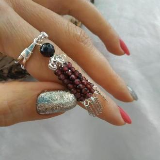 Серебряное кольцо с кистью из граната ′Муза′