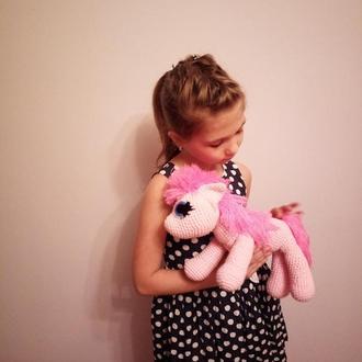Вязананая іграшка поні Пінкі Пай, для дитини 3+