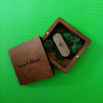 Деревянная коробка для хранения свадебных фотографий