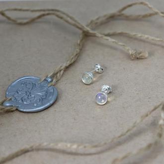 Серебряные серьги с опалом