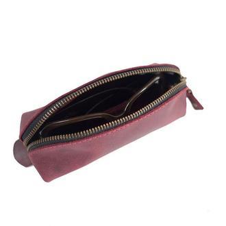 Кожаный чехол для очков треугольной формы. 02008/бордо