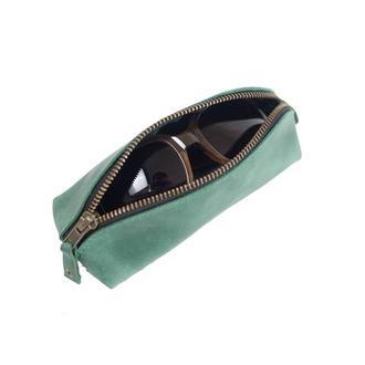 Кожаный чехол для очков треугольной формы. 02008/зеленый