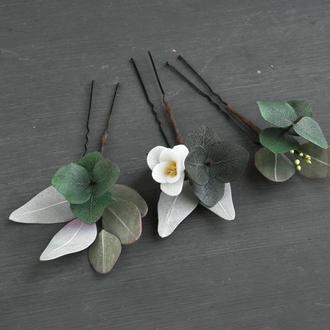 Шпильки с цветами и зеленью эвкалипта /  Шпильки с цветами для девушки