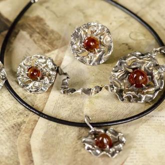 комплект украшений из серебра с сердоликом