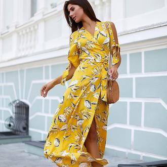 Платье макси на запахе с рукавами с разрезами на завязочках