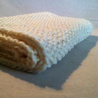 Белый шерстяной шарф хомут вязаный спицами