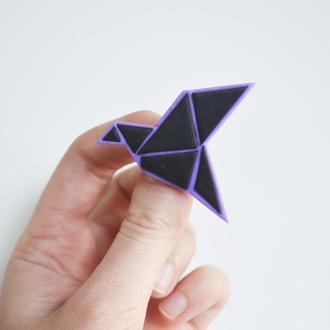 Значок - брошь оригами.