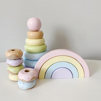Набор деревянных игрушек; пирамидка , пазл радуга , пончики