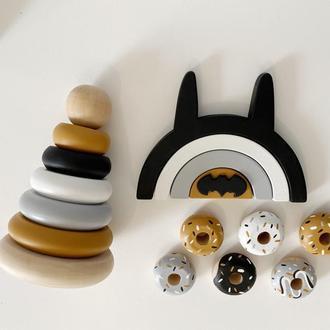 Бэтмен набор деревянных игрушек: пирамидка , пазл , пончики