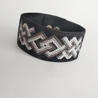 """Мужской кожаный браслет с вышивкой """"Kenio"""""""
