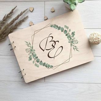 Свадебный деревянный альбом для фото и записей