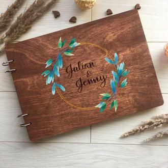 Свадебный альбом из дерева с гравировкой и цветной печатью