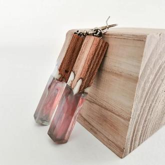 Длинные розовые серьги  из ювелирной смолы и дерева вяза - оригинальный подарок девушке
