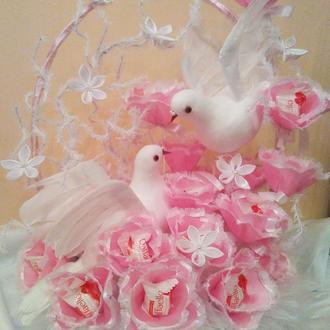 Подарок на свадьбу букет из конфет  Нежная любовь