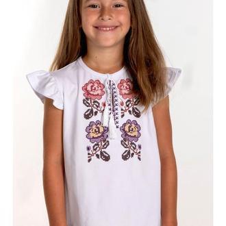 Вышитая футболка для девочки (6015)