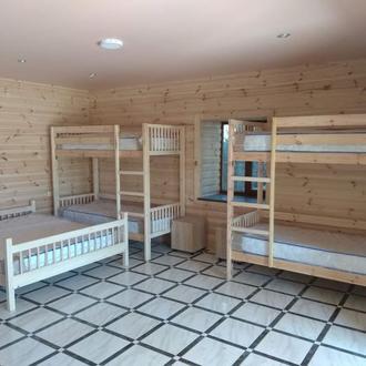 Кровать двуспальная деревянная 160х200 см