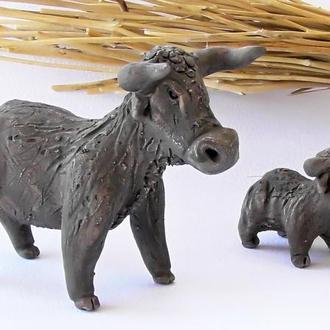 Статуетки биків сувенір бички