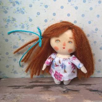 Миниатюрная куколка из дерева /4.5 см/