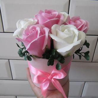 Букет из пенных роз