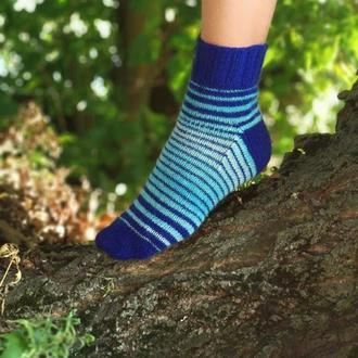 Вязаные полосатые носки
