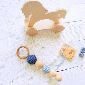 Первая игрушка малыша