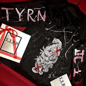 Ветровка от «TYRN»