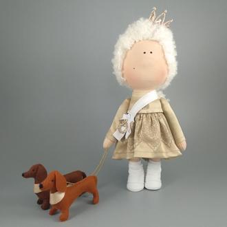 Інтер'єрна лялька королева