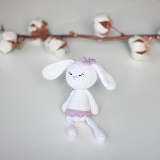 Вязанная игрушка Баловень White Bunny