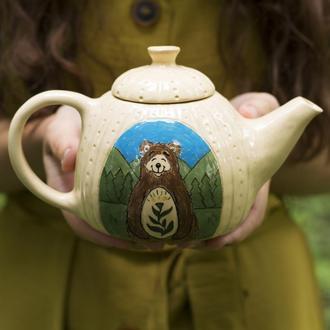 Глиняный чайник с медведем 600 мл
