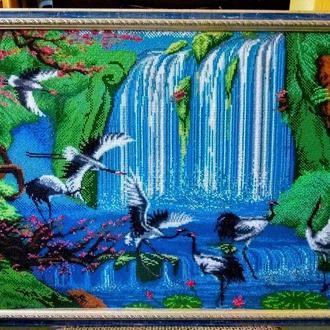 """Картина вишита бісером """"Журавлі біля водоспаду"""""""
