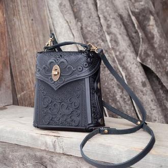 Сумочка рюкзак кожаная женская черная с орнаментом Бохо