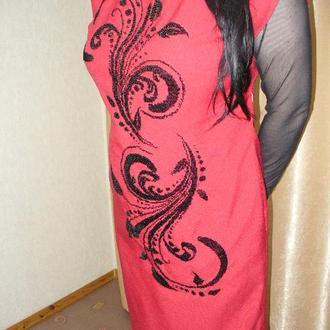 Платье красное вышитое летнее нарядное без рукавов
