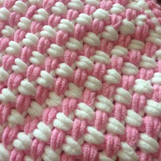 Плед розовый из плюшевой пряжи 75*90
