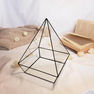 Геометрический флорариум. Стеклянный флорариум. Флорариум пирамида.