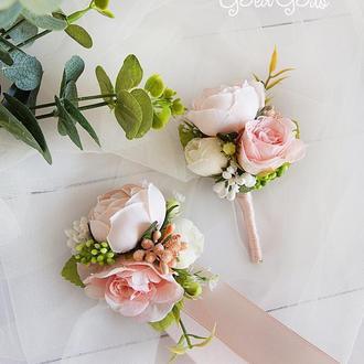 Бутоньерки для свидетелей / Пудровые бутоньерки / Цветы для свадьбы / Персиковые цветы