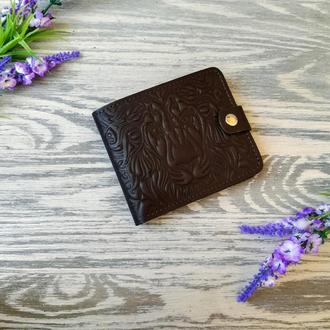 Коричневый маленький кожаный кошелек мужской портмоне бумажник с тиснением лев на кнопке ручной рабо