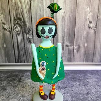 """Странная кукла из папье маше """"Девочка с глазом"""""""
