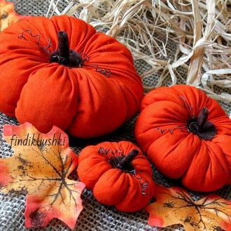 Оранжевые текстильные тыквы на хеллоуин. Осенняя поделка. Осенний декор на Halloween