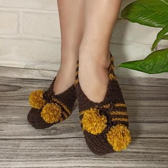 Вязаные домашние тапочки - шоколад+мед. Домашние тапочки в подарок. Вязаная обувь для дома.