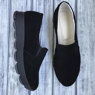 Чёрные замшевые слипоны