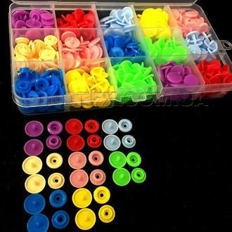Кнопки пластиковые цветные в органайзере (15х10 компл.) (СИНДТЕКС-0085)