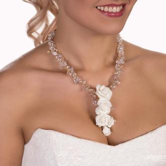 Свадебное колье с белыми розами