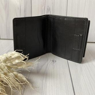 Компактный кожаный кошелёк