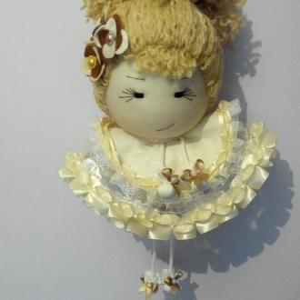 Куколка подвесная